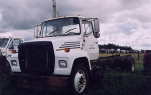 Ford L9000 - Salvage 783-FORD