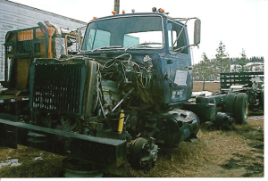 Ford L9000 - Salvage 2391-FORD
